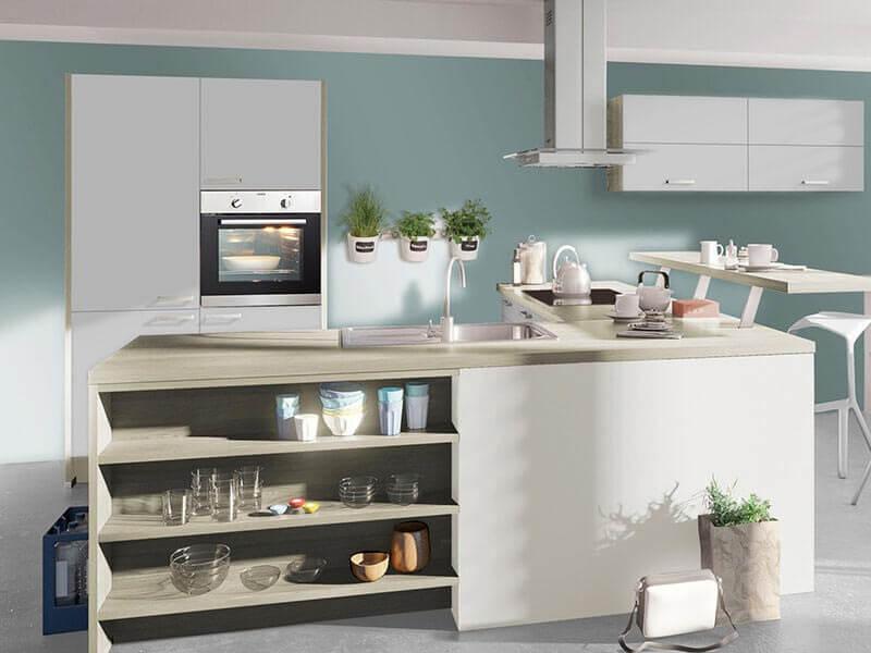 moderne Küche mit Elektrogeräte hell grau bei Wohn Schick