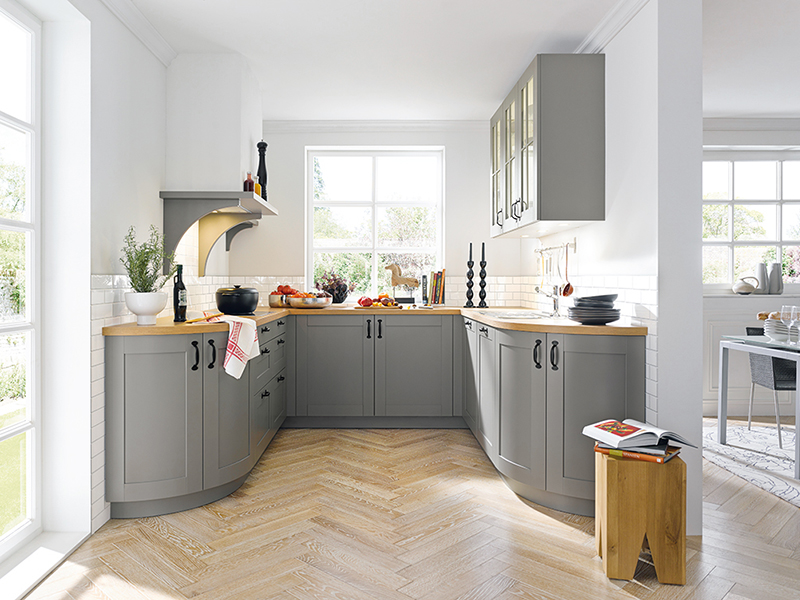 U-Form Küche Landhaus mit Elektrogeräte mit Glas grau Holz-Optik