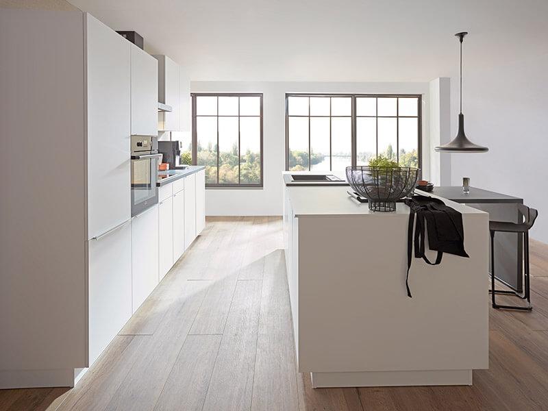 nobilia Kücheninsel weiß design hochglanz