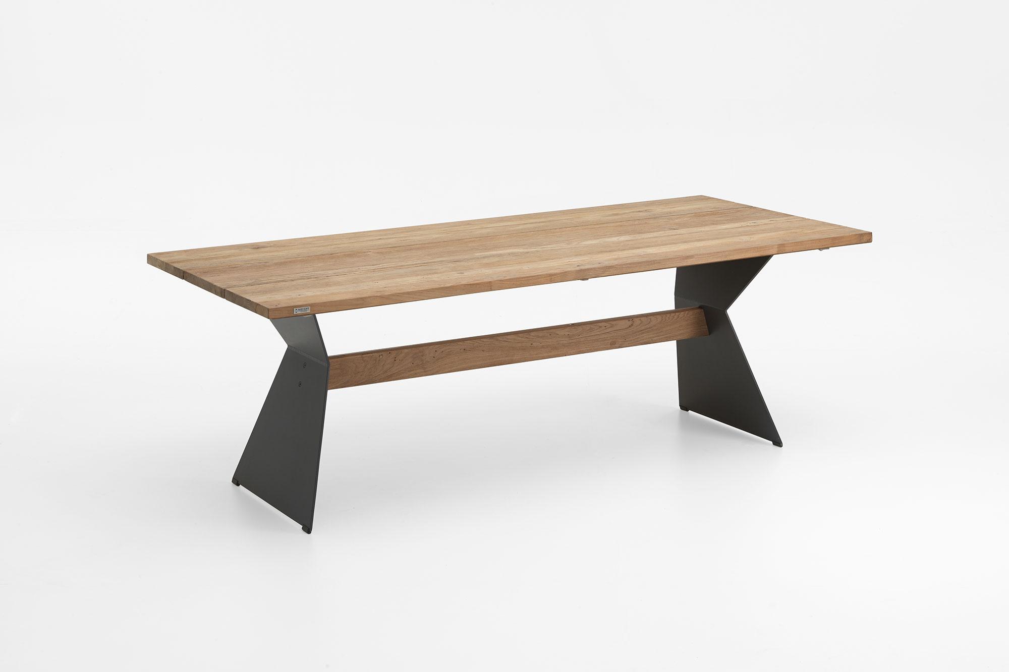 NERO Tisch