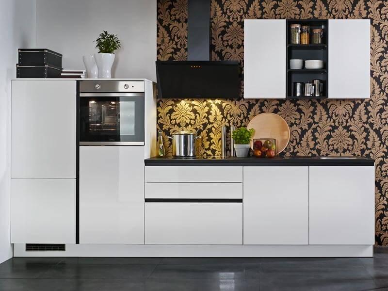 grifflose Küchenzeile hochglanz Express Küchen bei Wohn Schick